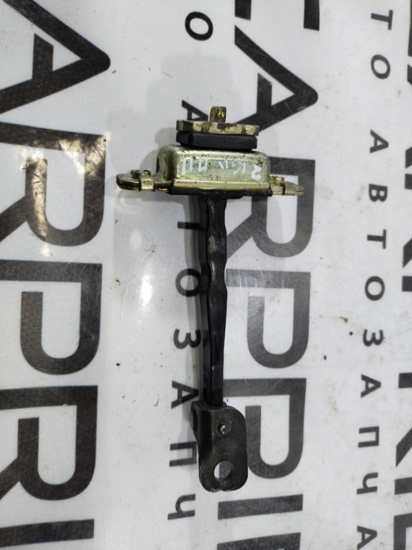 Ограничитель двери Kia Sorento BL 2.5 CRDI 2007 передний правый (б/у)