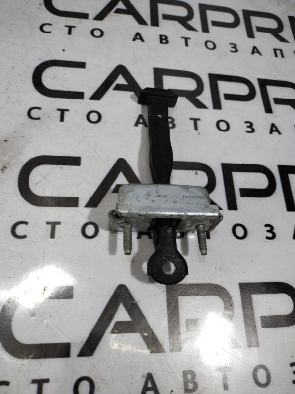 Ограничитель двери Ford Focus 3 2.0 2014 задний правый (б/у)