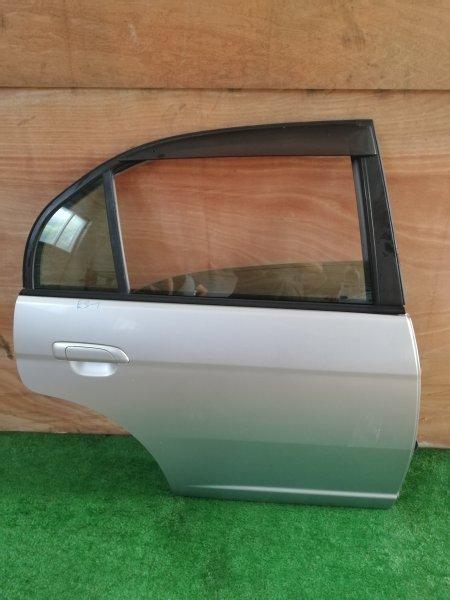 Дверь Honda Civic ES1 задняя правая (б/у)