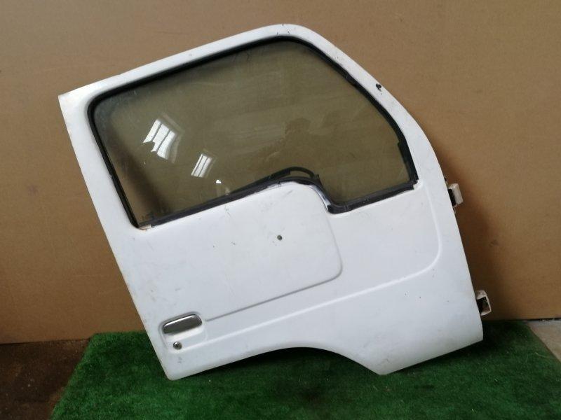 Дверь Nissan Condor передняя правая (б/у)