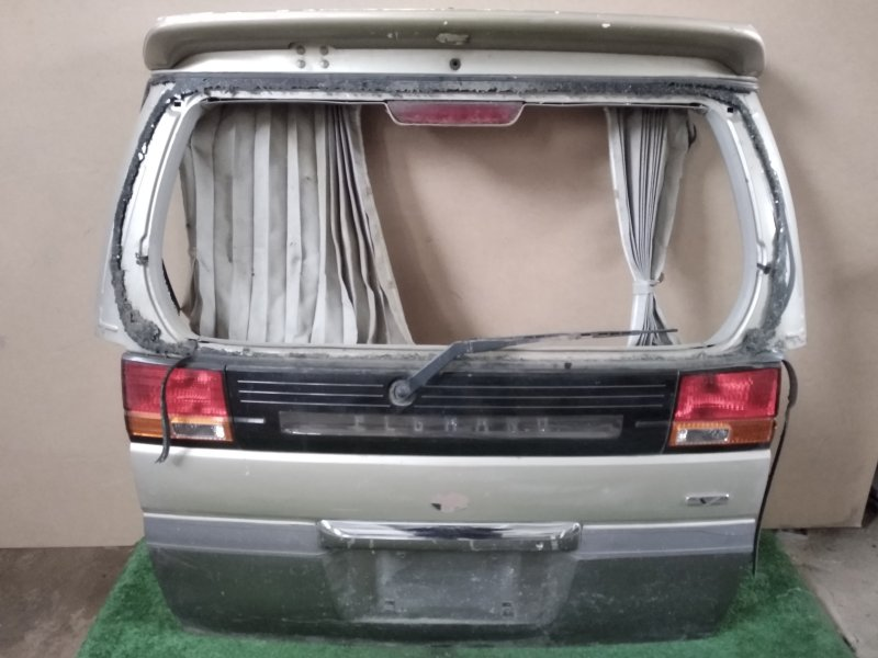 Дверь багажника Nissan Elgrand задняя (б/у)