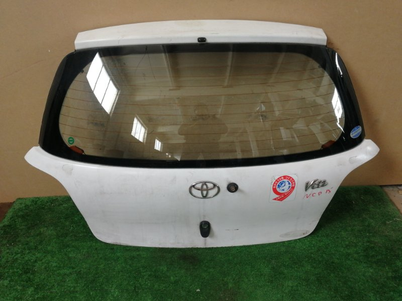 Дверь багажника Toyota Vitz NCP15 (б/у)