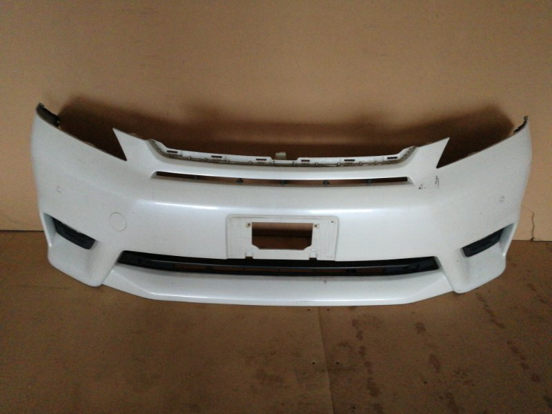 Бампер Toyota Corolla Filder E140 передний (б/у)