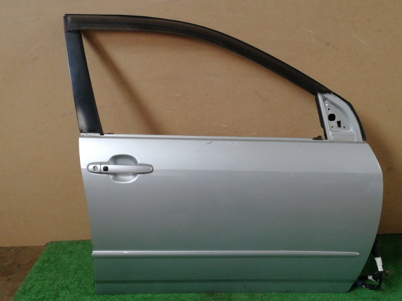 Дверь Toyota Corolla ZZE122 передняя правая (б/у)