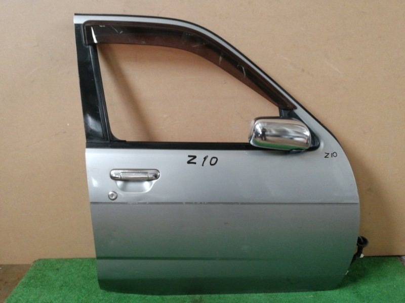 Дверь Nissan Cube Z10 передняя правая (б/у)