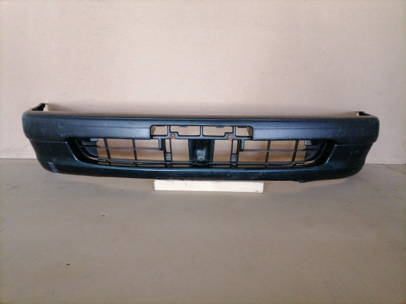 Бампер Toyota Sprinter EE111 передний (б/у)