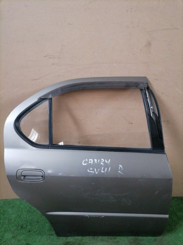 Дверь Toyota Camry SV41 задняя правая (б/у)
