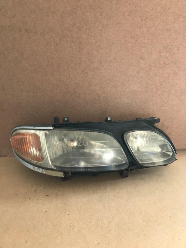 Фара Toyota Estima CXR20 правая (б/у)