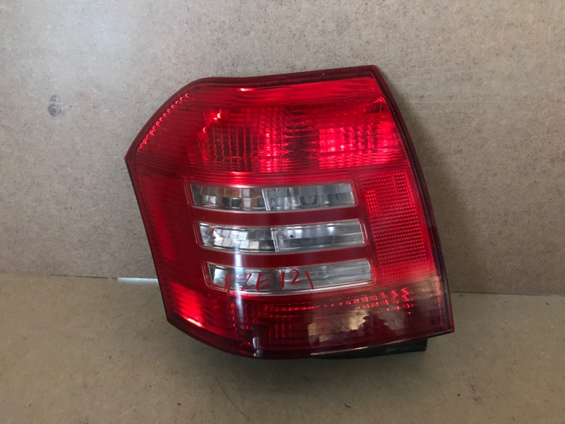 Фонарь Toyota Allex NZE121 (б/у)