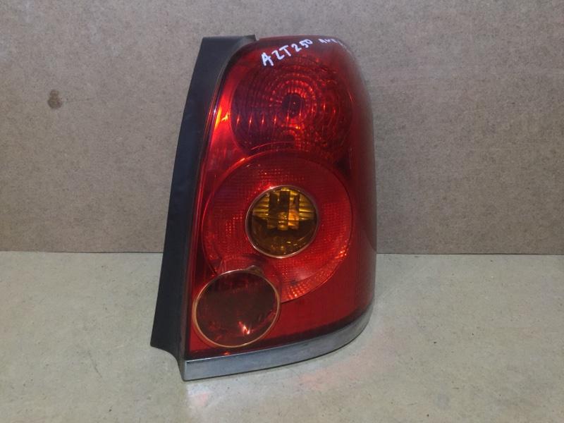Фонарь заднего хода Toyota Avensis AZT250 задний правый (б/у)