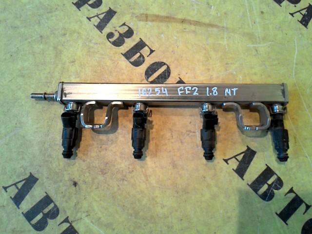 Рейка топливная (рампа) Ford Focus 2 2008-2011