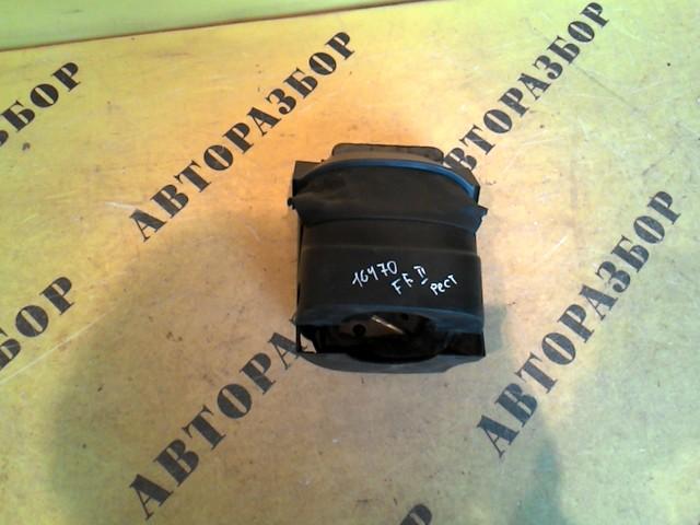 Накладка на торпедо Ford Focus 2 2008-2011