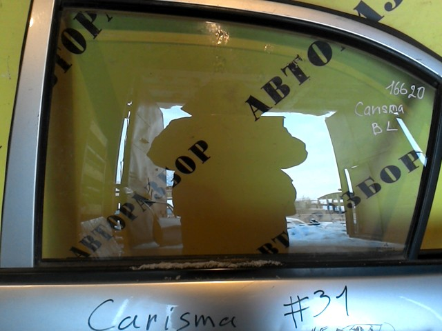 Стекло двери задней левой Mitsubishi Carisma 2000-2003
