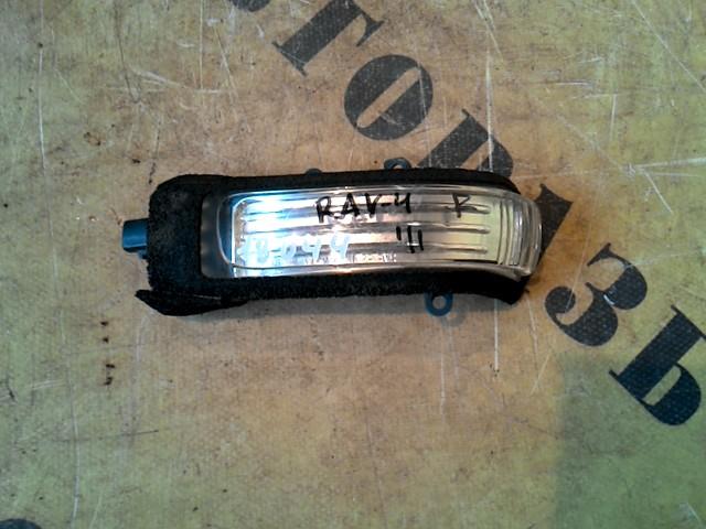 Указатель поворота правый Toyota Rav4 30 2006-2013