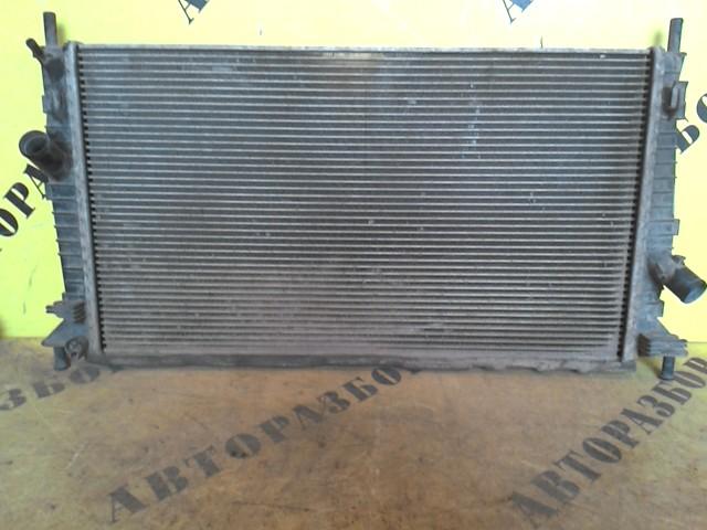 Радиатор охлаждения Ford Focus 2 2008-2011