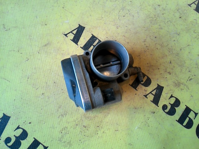 Заслонка дроссельная Renault Megane 2 2003-2009
