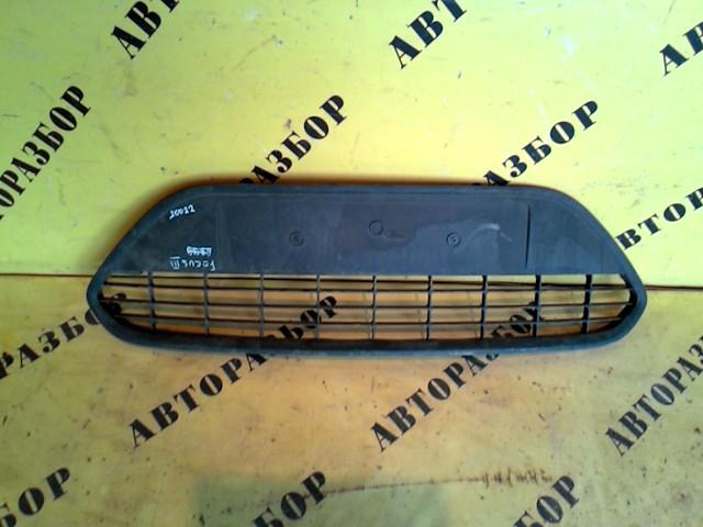 Решетка в бампер Ford Focus 2 2008-2011