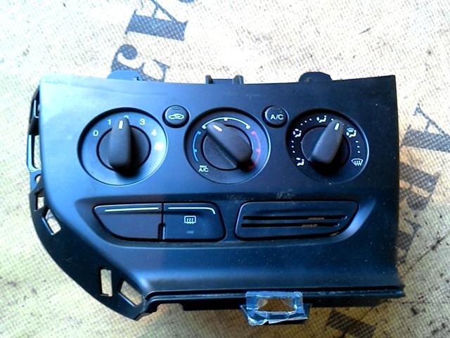 Блок управления климатической установкой Ford Focus 3 2011-2019