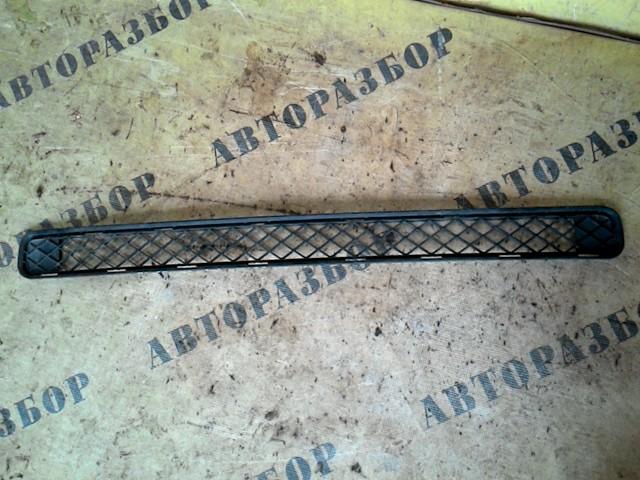 Решетка в бампер Toyota Rav4 30 2006-2013