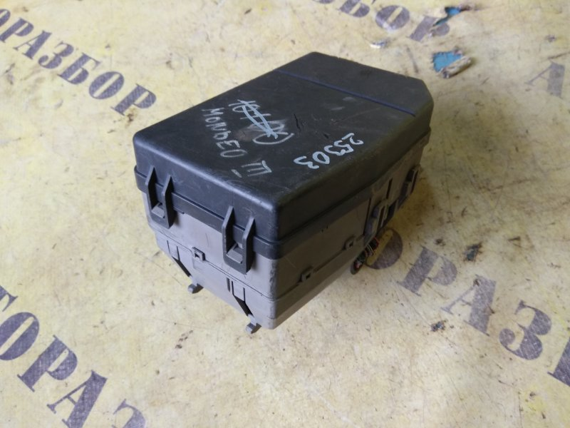 Блок предохранителей Ford Mondeo 3 2000-2007