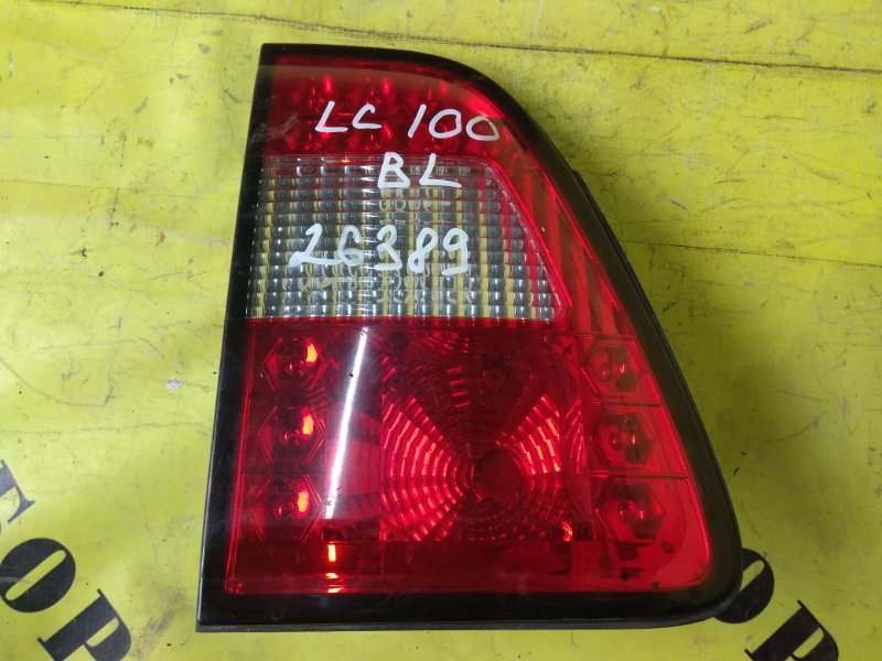 Фонарь задний левый внутренний Toyota Land Cruiser 100 1998-2007