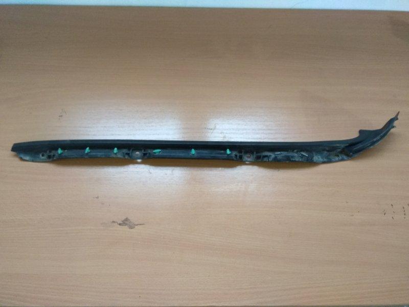 Молдинг лобового стекла правый Mazda Bt50 Bt-50 2006-2012 2.5 WL TDI 143 Л/С 2008