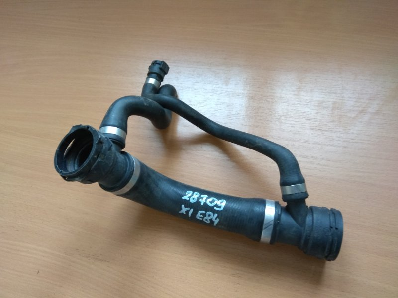 Патрубок системы охлаждения Bmw 5-Серия E60/e61 2003-2009