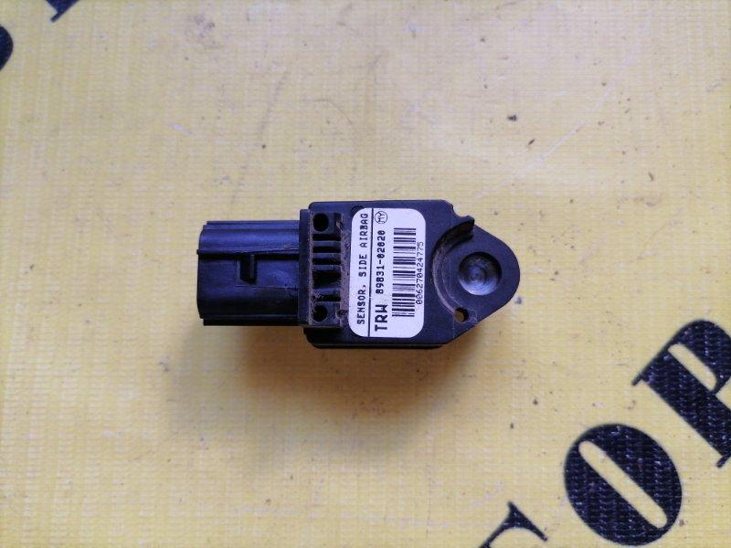 Датчик air bag (удара) Toyota Corolla 120 2001-2006 ХЭТЧБЕК 1.6 3ZZ-FE 110 Л/С 2006