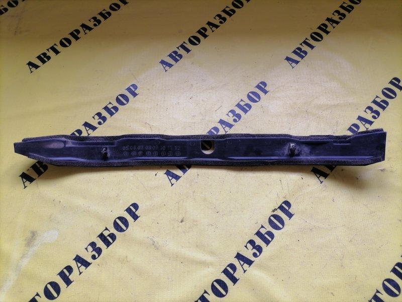 Пыльник переднего крыла Mazda Bt50 Bt-50 2006-2012 2.5 WL TDI 143 Л/С 2010