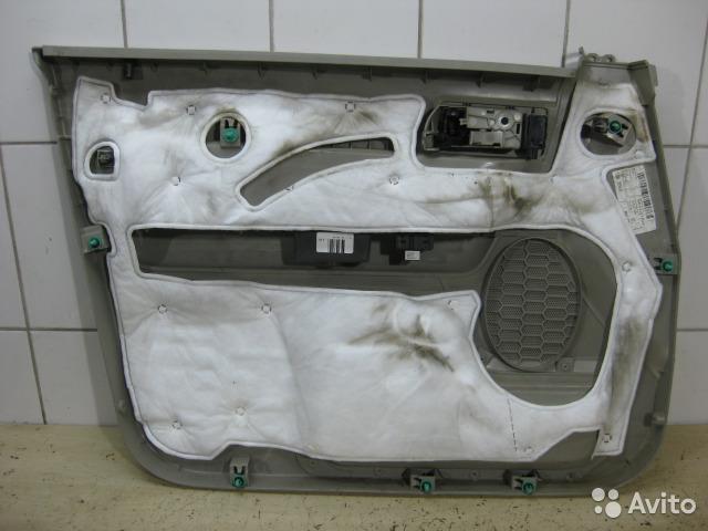 Обшивка двери передняя правая Ford Escape 2 USA 2.5 DURATEC 2010 (б/у)