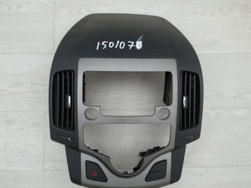 Дефлектор центральный Hyundai I30 FD D4FB 2011 (б/у)