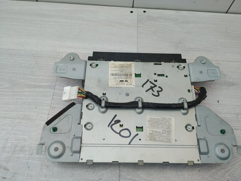 Dvd-проигрыватель Subaru Tribeca B9 EZ30D 2005 (б/у)