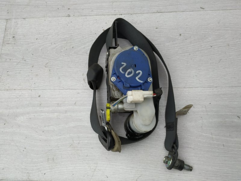 Ремень безопасности передний левый Infiniti M35X Y50 VQ35 2006 (б/у)