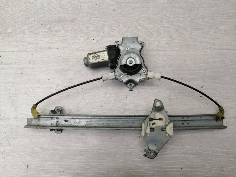 Стеклоподъемник задний правый Nissan Primera P12 QG18 2004 (б/у)
