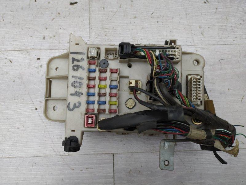 Блок предохранителей салона Toyota Rav4 XA20 1AZFE 2002 (б/у)