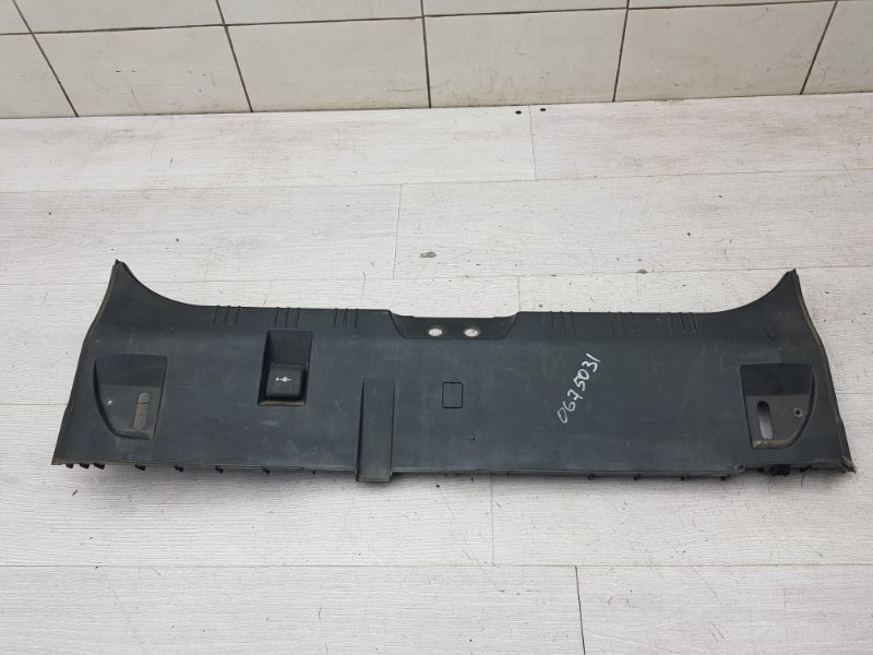 Накладка задней панели Bmw 5 E60 M54 2003 (б/у)