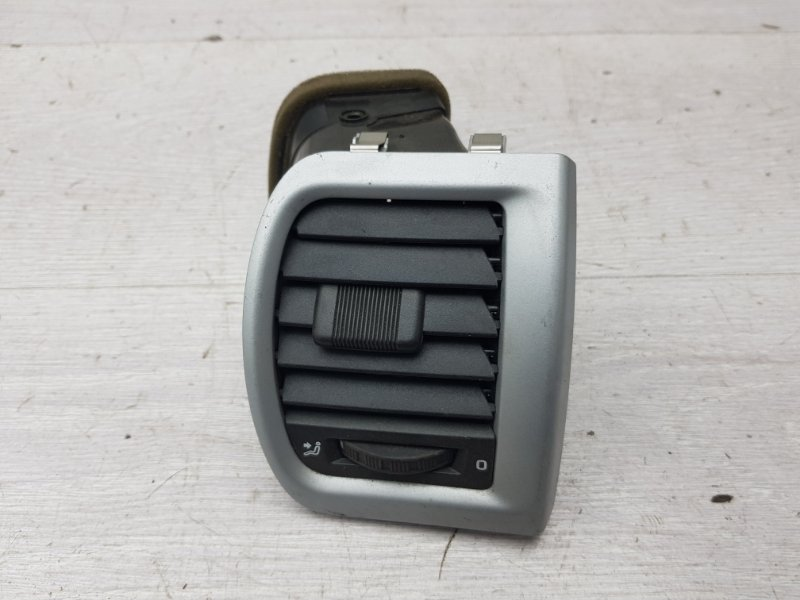 Дефлектор воздуховода Skoda Fabia BZG 2007 (б/у)