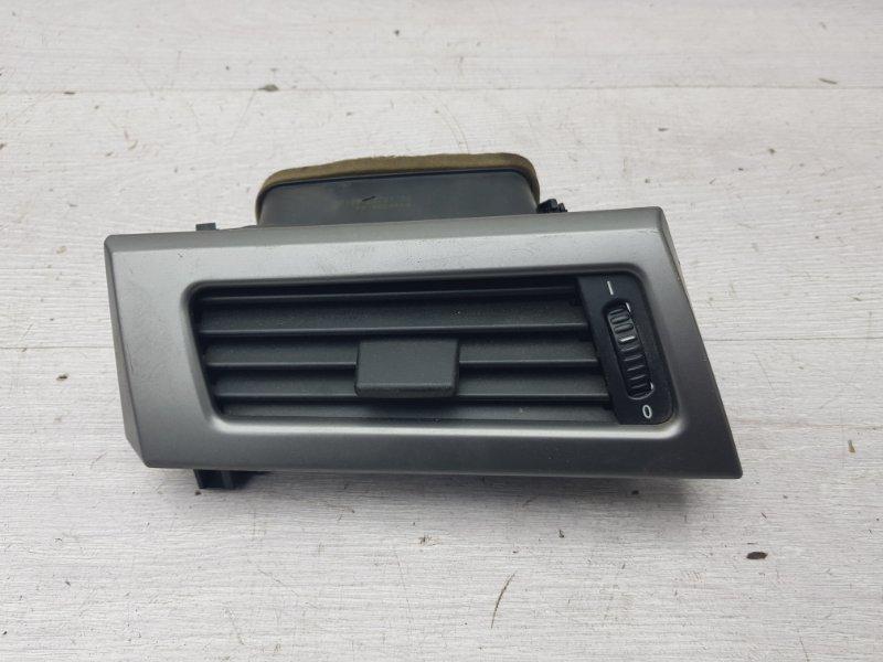 Дефлектор воздуховода Bmw 5 E60 M54 2003 левый (б/у)