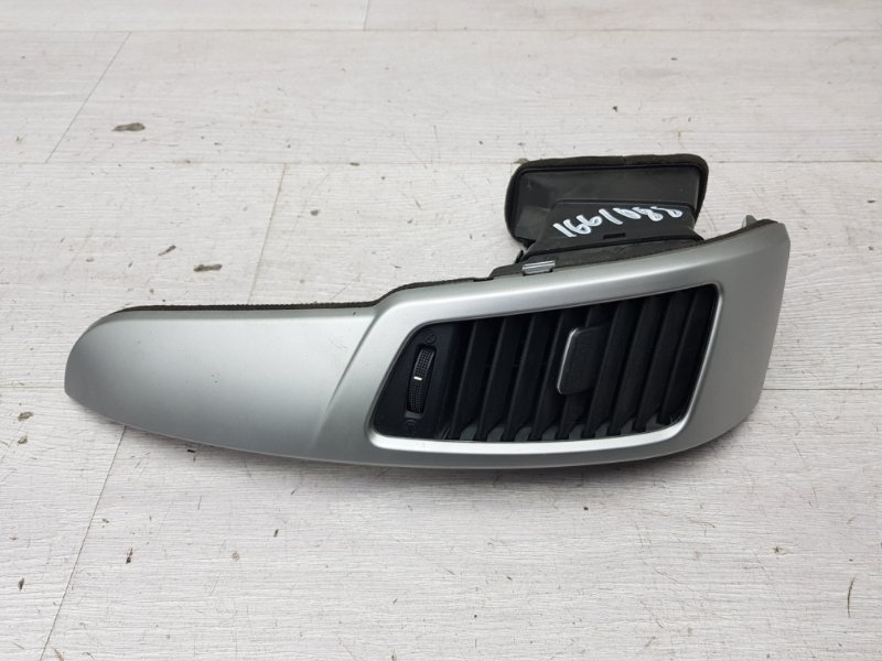 Дефлектор воздуховода Kia Venga G4FC 2011 (б/у)