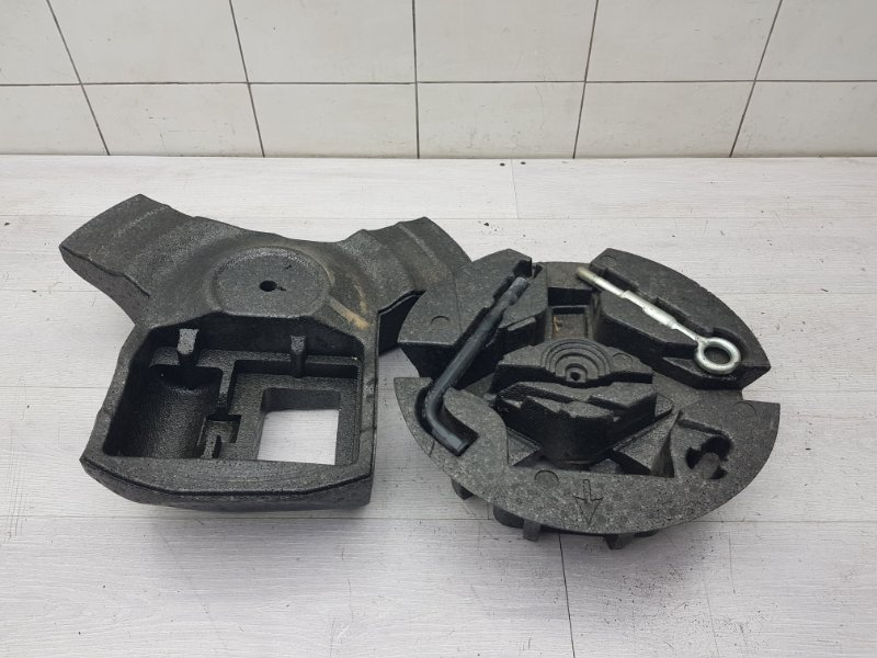 Ящик для инструментов Volvo S80 AS B5254T10 2012 (б/у)
