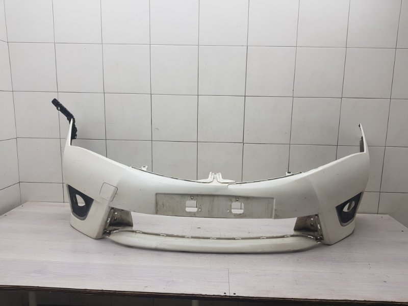 Бампер передний Toyota Corolla E180 1ZR-FE 2014 (б/у)