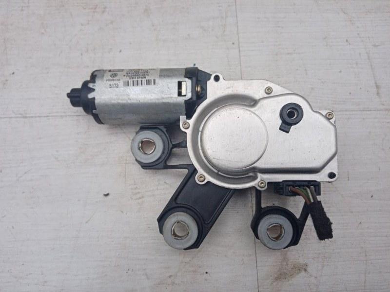Моторчик заднего стеклоочистителя Vw Touareg 7L BAA 2003 (б/у)
