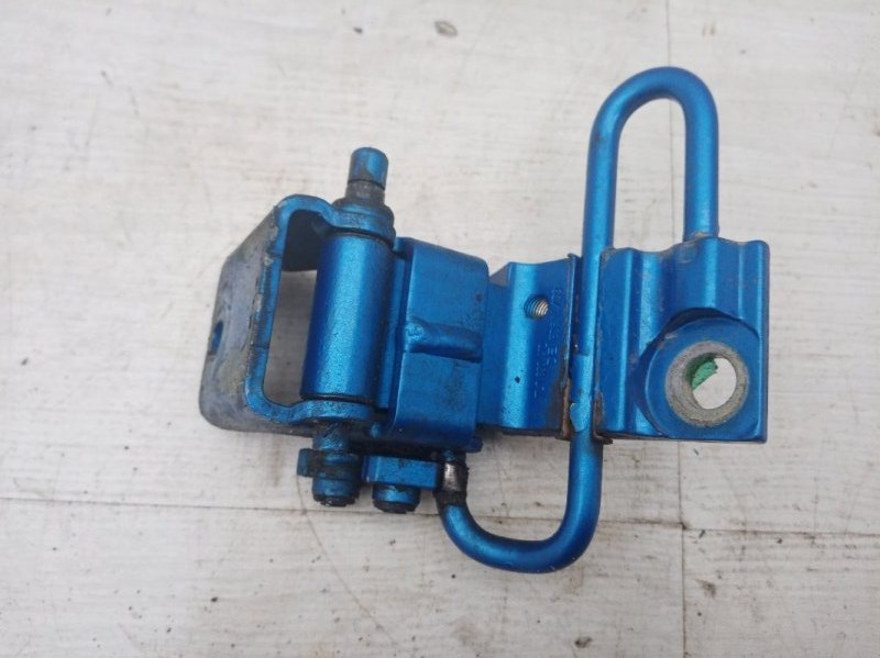 Петля двери Vw Touareg 7L BAA 2003 задняя правая (б/у)