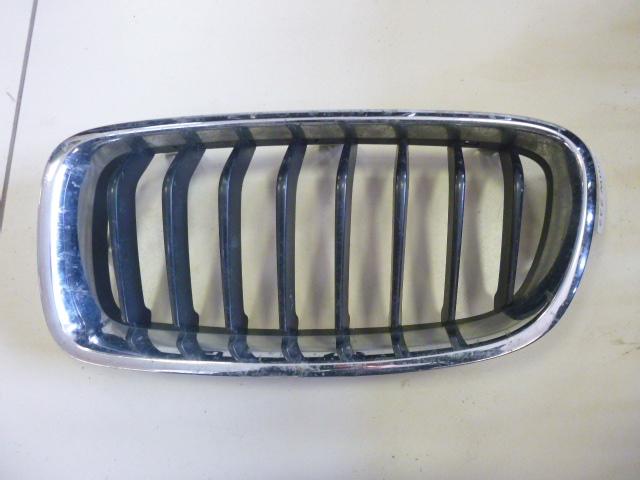 Решетка радиатора Bmw 3-Series F30 2013 левая (б/у)
