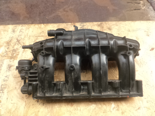 Коллектор впускной Volkswagen Tiguan 5N 2011 (б/у)