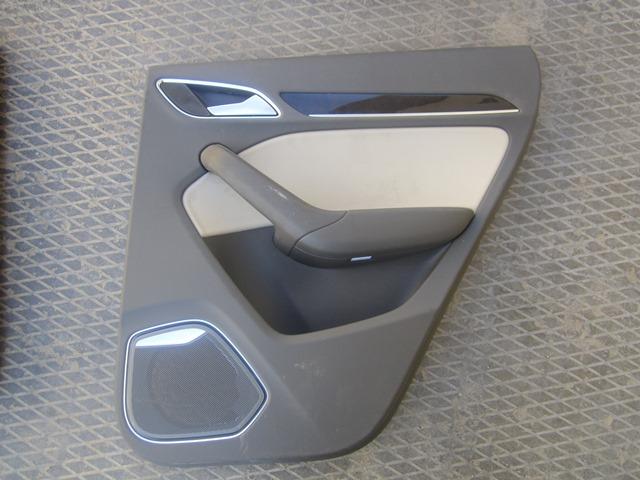 Обшивка двери Audi Q3 8U 2012 задняя правая (б/у)