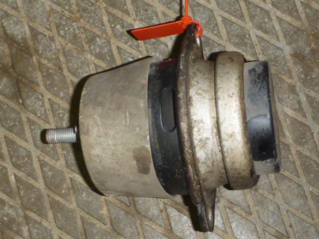 Подушка двс Volkswagen Touareg 7P 2010 (б/у)