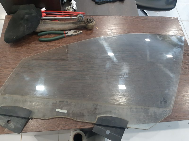 Стекло двери Bmw 7-Series F01 2009 переднее левое (б/у)