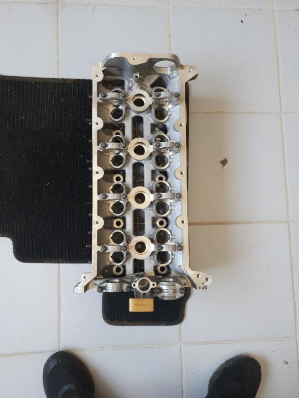 Головка блока цилиндров Porsche Cayenne 958 2010 правая (б/у)