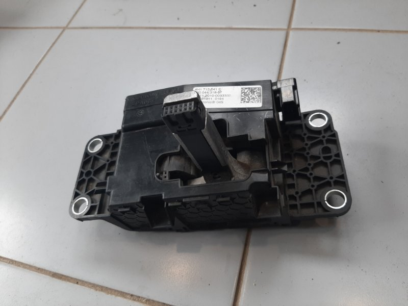 Селектор акпп Audi A8 4H 2009 (б/у)
